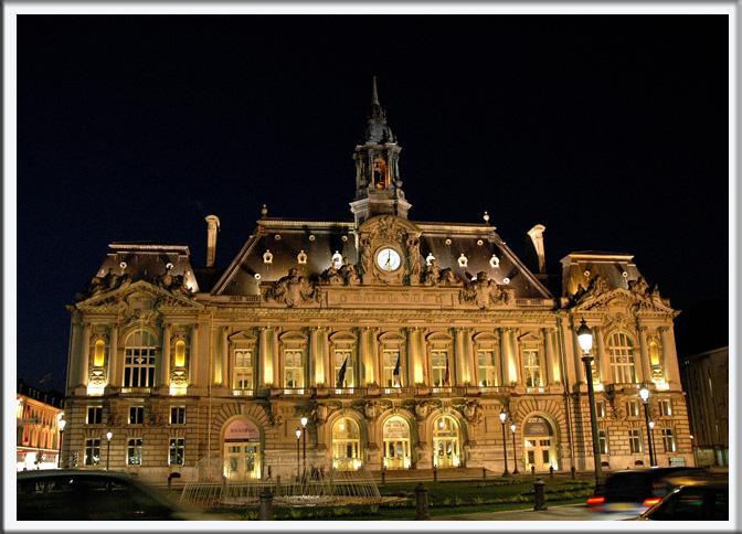 Tours Belediye Binası [Kado]