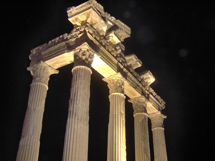 Gecenin karanlıgın da Apollon un görkemi [Mehpare Alaca]
