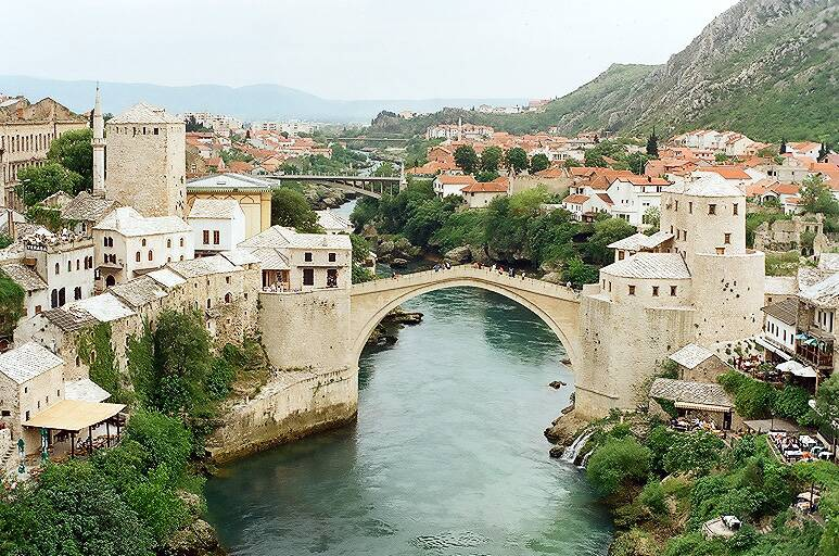 Mostar Köprüsü-Bosna Hersek [Orhan Uzun]