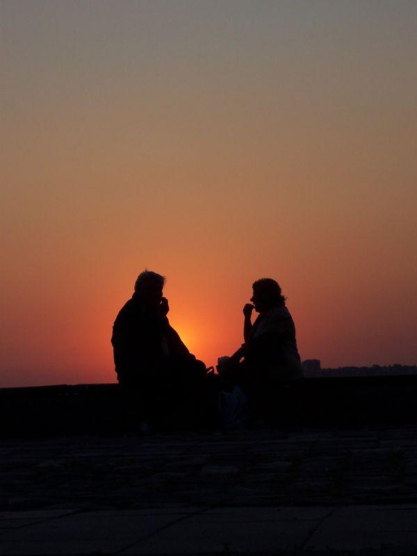 Gün batımı sohbetleri [Mehmet Atılgan]